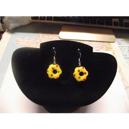Boucle d oreille donuts jaune-point rouge